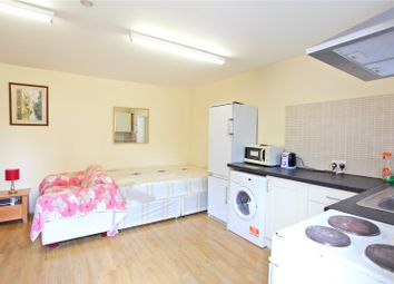 Thumbnail Studio to rent in Broomfield Lane, Palmers Green, London