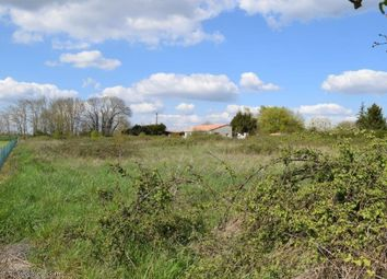 Thumbnail Property for sale in Montjean, Poitou-Charentes, 16240, France