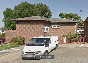 Thumbnail 4 bed flat to rent in Sutherland Place, Luton