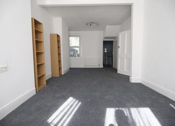 3 bed property to rent in Sunningdale Avenue, Barking IG11