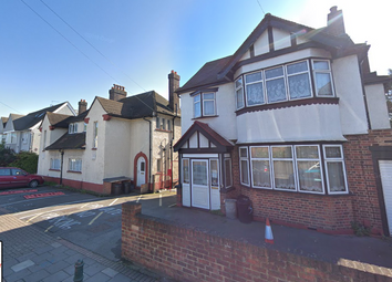 Thumbnail Room to rent in Clifford Avenue, London