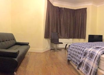 Thumbnail Room to rent in Empress Avenue, Ilford