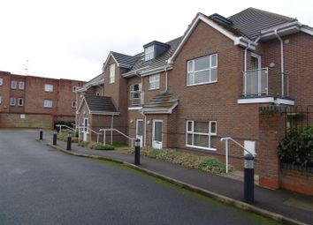 Thumbnail 2 bedroom flat to rent in Kings Court, London Colney, St Albans