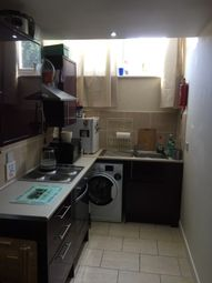 1 bed flat to rent in 48 Cranbrook Road, Ilford IG1
