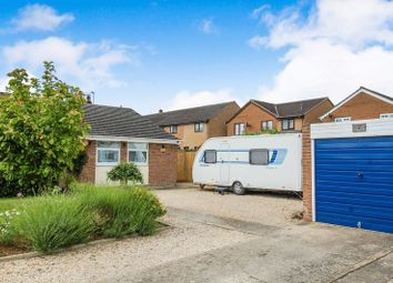 Thumbnail 2 bed semi-detached bungalow for sale in Lincraft Close, Kidlington