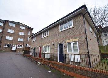 2 bed terraced house to rent in Grove Road, Luton LU1