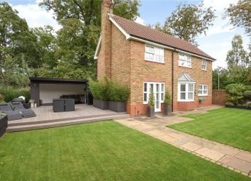 Thumbnail 4 bedroom detached house for sale in Roundshead Drive, Warfield, Berkshire
