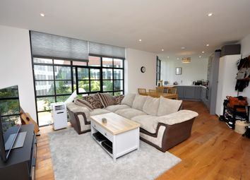 Station Approach, Godalming GU7. 2 bed flat for sale
