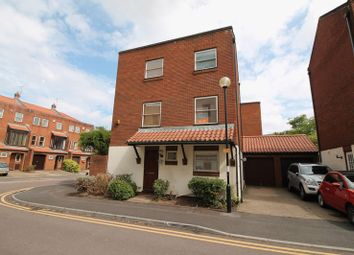 3 bed detached house to rent in Draycot Place, Merchants Landing BS1