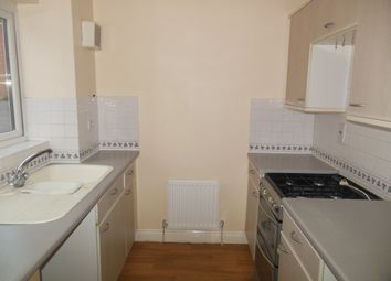 2 bed semi-detached house to rent in Meadowsweet Close, Thatcham RG18