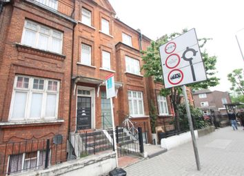Thumbnail 2 bed flat to rent in Basement Flat, Queenstown Road, Battersea