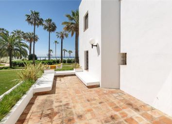 Thumbnail 4 bed apartment for sale in Spacious Beachfront Apartment, Puerto Banus, Marbella