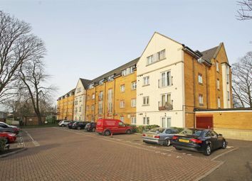 1 bed flat to rent in Wood Lane, Isleworth TW7