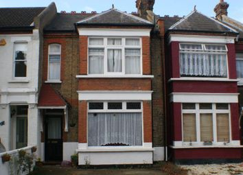 Thumbnail 2 bed flat for sale in Avenue Road, Westcliff-On-Sea