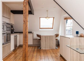 Thumbnail 2 bed flat for sale in Cowley Road, Oxford