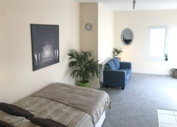 Thumbnail Room to rent in Lady's, Northampton