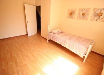 2 bed maisonette to rent in Hind Grove, Poplar E14