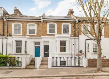 3 bed flat for sale in Spencer Road, London W3
