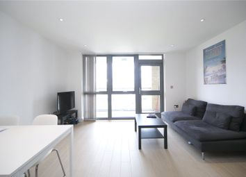 Thumbnail 1 bed flat to rent in Canalside Square, Islington