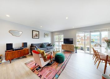 Cornwall Works, Cornwall Avenue, Finchley N3. 1 bed flat