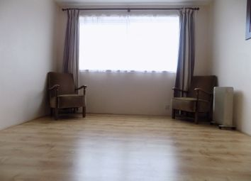Thumbnail 1 bed flat to rent in Handcross Road, Luton, Bedfordshire