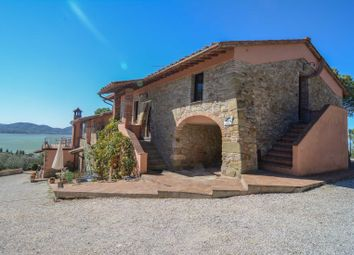 Thumbnail 8 bed farmhouse for sale in Lake, Magione, Perugia, Umbria, Italy