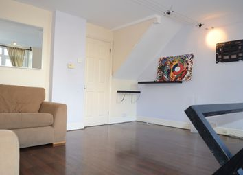 3 bed terraced house to rent in Turnpike Close, New Cross, London SE8