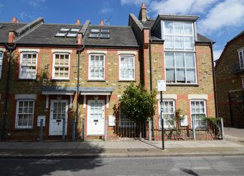 2 bed property to rent in Burns Road, Battersea SW11