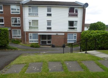 Thumbnail 1 bed flat to rent in Holmbury Grove, Croydon