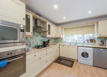 Thumbnail 2 bed flat to rent in Carlton Road, Harpenden