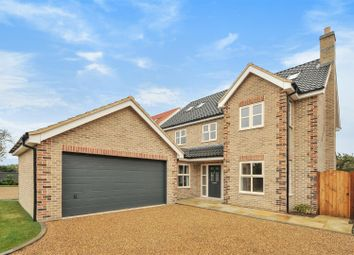 Thumbnail 5 bed property for sale in London Road, Yaxley, Peterborough