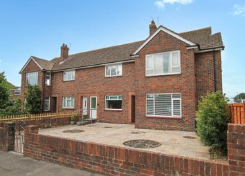 Thumbnail 2 bed flat for sale in Gainsborough Avenue, Worthing