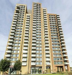 Thumbnail 3 bed flat to rent in Jefferson Plaza, London
