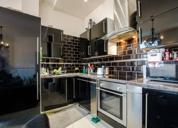 Thumbnail 2 bed flat to rent in Commercial Street, Spitalfields