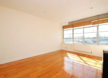 Thumbnail 2 bed flat to rent in Shepherdess Walk, Islington