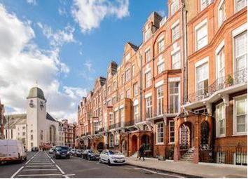 Thumbnail 1 bed flat to rent in Large One Bedroom Studio, Pont Street