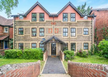 2 bed flat to rent in Walkers Place, Reading RG30