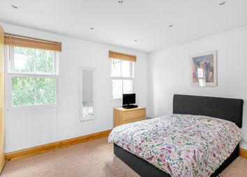2 bed maisonette for sale in North Cross Road, East Dulwich SE22