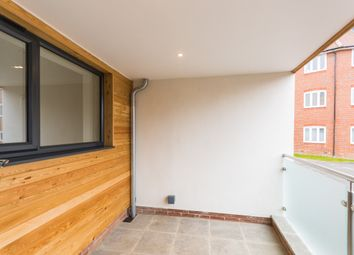 Thumbnail 2 bed flat to rent in Vineyard, Abingdon