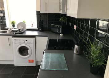 Thumbnail 5 bed shared accommodation to rent in Hope Avenue, Goldthorpe