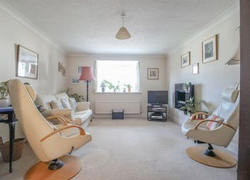 Groves Close, Bourne End SL8. 3 bed town house