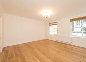 Thumbnail 1 bed flat to rent in Morwell Street, London