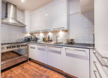 Thumbnail 2 bed cottage for sale in Clifden Road, Brentford