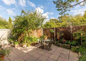 Thumbnail 2 bed flat to rent in Aylestone Avenue, Brondesbury Park