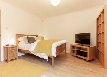 Thumbnail 1 bed flat to rent in Trinity Street, Oxford