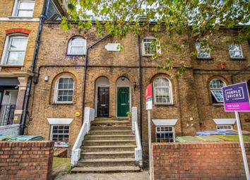 270 Lower Road, London SE8. 2 bed maisonette for sale          Just added