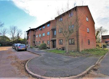 Honeywood Close, Portsmouth PO3. 2 bed flat for sale
