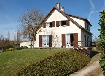 Thumbnail 5 bed property for sale in Chaunay, Vienne, France