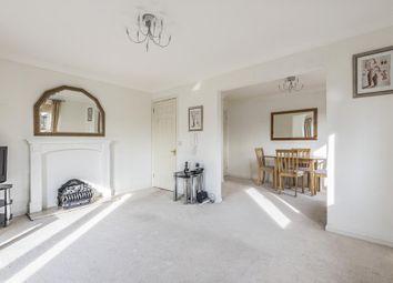 2 bed flat for sale in Lightwater, Surrey GU18