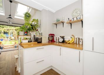 Bousfield Road, Telegraph Hill SE14. 2 bed flat